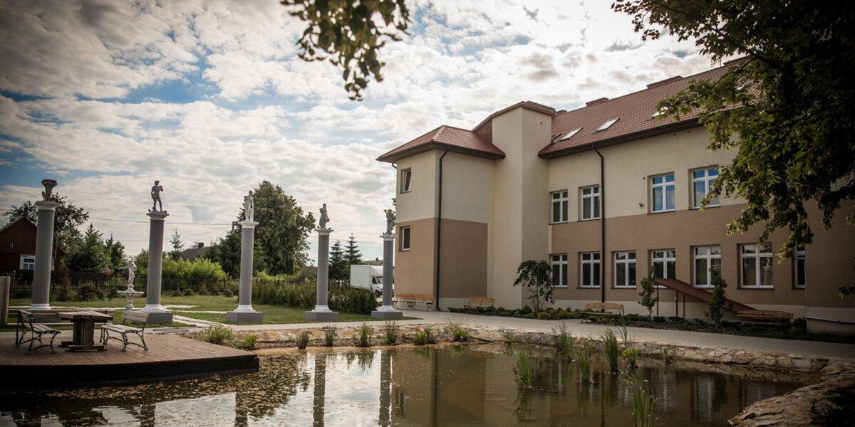Pensjonat Willa Forsycje - oaza spokoju nad Zalewem Domaniowskim